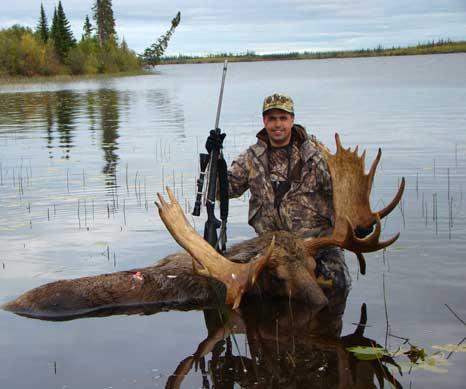 Shepherd customer on Alaska hunt with best long range hunting scope